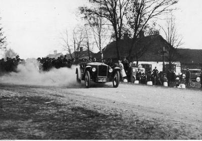 Historia: Pierwsze Wyścigi Samochodowe